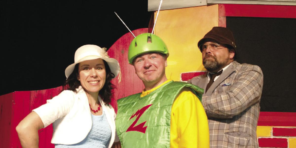 Sur la photo, les trois compères d'Animagination : Jacinthe Cloutier, Luc Boulanger et Dominic Lapointe dans le spectacle Zap, l'extra-terrestre qu'ils jouent depuis près de 20 ans. Photo Animagination