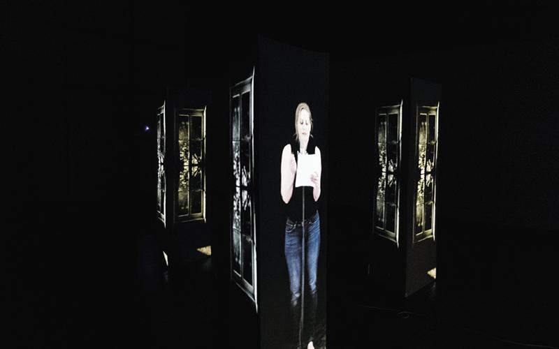 Choeur(s) - machines à présences poétiques. Sur la photo, la poète Annie Lafleur. Photo Courtoisie Productions Rhizome