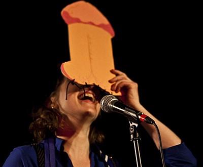 Hélène Matte. Photos Elias DJEMIL