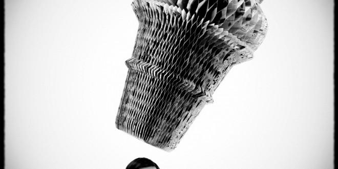Julie Picard récolte les honneurs. Elle gagnait la médaille d'or en sculpture aux Jeux de la Francophonie 2009. À peine un an auparavant, elle était lauréate du prix Videre-Relève de Québec pour l'exposition À grand déploiement. Zoom sur la démarche d'une artiste qui se démarque. Photo Guillaume D. Cyr