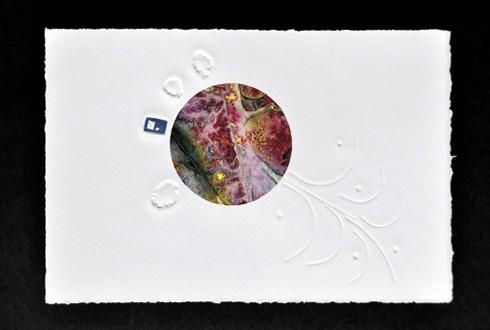 Entre deux mondes (détail), gravure sur linoléum, gaufrage et chine collé sur papier BFK Rives, 2015. Photo Emmanuelle BRETON