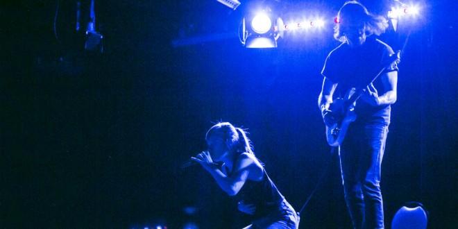 Catherine Dorion et Mathieu Campagna, lors d'un des rares moments éclairés de l'événement Fuck toute. Photo Cath Langlois Photographe.