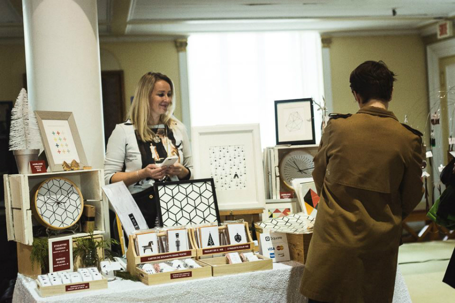 Un kiosque du Etsy Pop-up de 2015. Crédits : Llamaryon