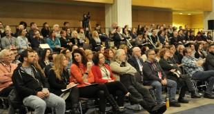 La Bourse RIDEAU battait son plein à Québec en février dernier. Comme chaque année, plus d'un millier de personnes – artistes, agents d'artistes, maisons de disque, programmateurs de salle de spectacle, tourneurs, représentants de l'industrie de la musique, etc. – se retrouvent pour, entre autres, boucler leur programmation de spectacles. Photo de Louise Leblanc.